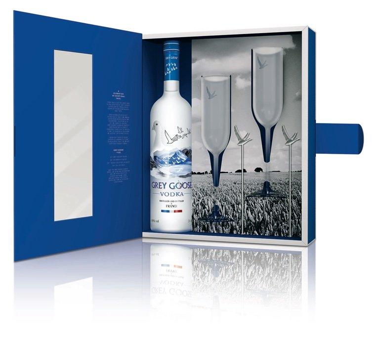 grey goose wodka 0 7 liter in geschenkbox mit 2 gl sern. Black Bedroom Furniture Sets. Home Design Ideas
